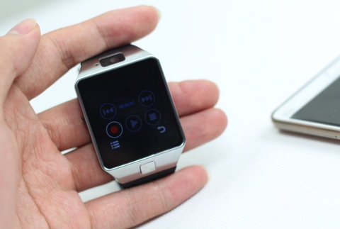 Mo hop Inwatch C - smartwatch nhieu tinh nang gia 1,3 trieu hinh anh