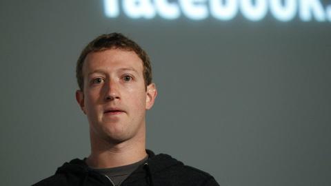 Nhom hacker tan cong tai khoan ong chu Facebook la ai? hinh anh