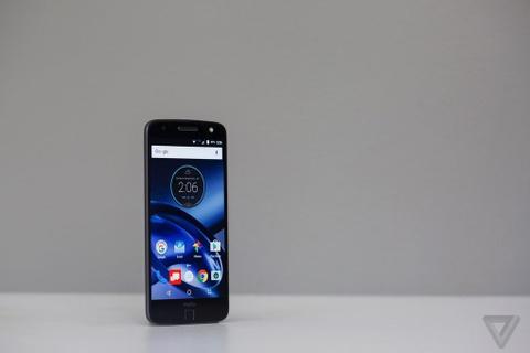 Can canh Moto Z: nang tam smartphone dang thao-lap hinh anh 1