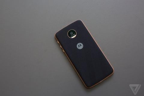 Can canh Moto Z: nang tam smartphone dang thao-lap hinh anh 2