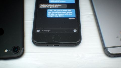 Hoi sinh ban mau den tren iPhone 7 hinh anh 5