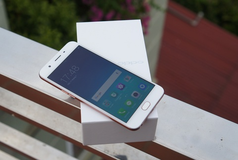 Mo hop Oppo F1s: Smartphone chuyen selfie, dang ua nhin hinh anh 2