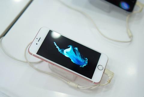 Gia iPhone cu tai VN tiep tuc lao doc don iPhone 7 hinh anh