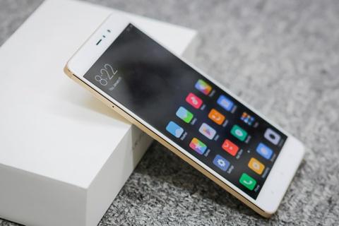 9 smartphone xach tay dat khach moi ve Viet Nam hinh anh 8