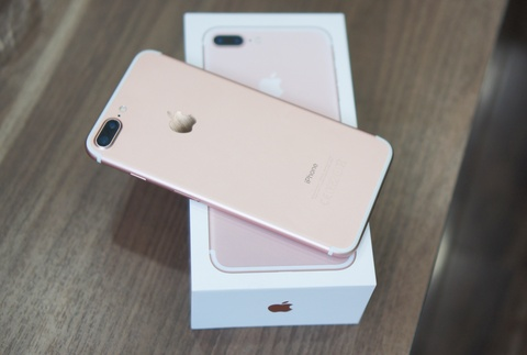 9 smartphone xach tay dat khach moi ve Viet Nam hinh anh 2