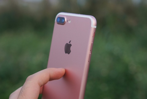 review iphone 7 plus hinh anh