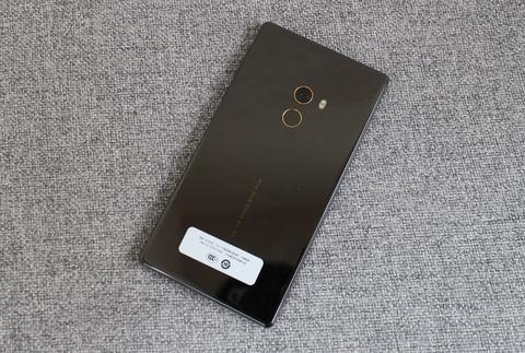 Xiaomi Mi Mix ve VN: Xung danh di dong cua tuong lai hinh anh 10