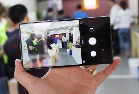 Xiaomi Mi Mix ve VN: Xung danh di dong cua tuong lai hinh anh 12