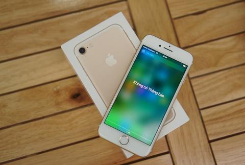 Mo hop iPhone 7 chinh hang dau tien tai Viet Nam hinh anh