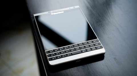 BlackBerry Passport dat chuan bao mat cap chinh phu hinh anh