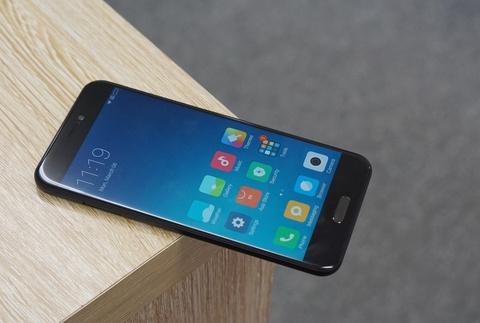 Xiaomi Mi 5c ve Viet Nam: Thiet ke cao cap, hieu nang trung binh hinh anh 9