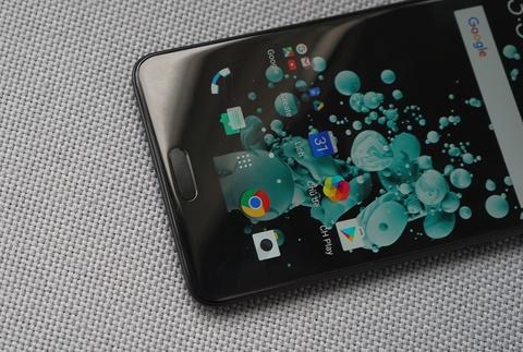 Danh gia HTC U Ultra: Tot moi mat, nhung chua du hinh anh 2