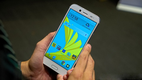 HTC dem smartphone 10 Evo ve VN, gia 6 trieu dong hinh anh