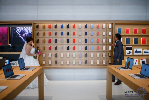 Chup anh cuoi tai Apple Store hinh anh