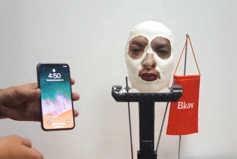 Bkav qua mat Face ID tren iPhone X nhu the nao? hinh anh 2