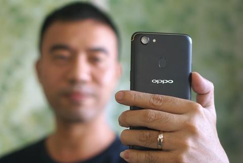 Danh gia Oppo F5: Man hinh dep, camera an tuong hinh anh 1