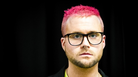 Chan dung Christopher Wylie - Nguoi vach mat Facebook truoc the gioi hinh anh