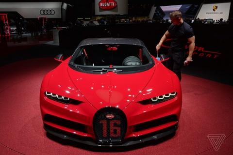 Bugatti Chiron Sport 3,2 trieu USD sap chao san tai My hinh anh