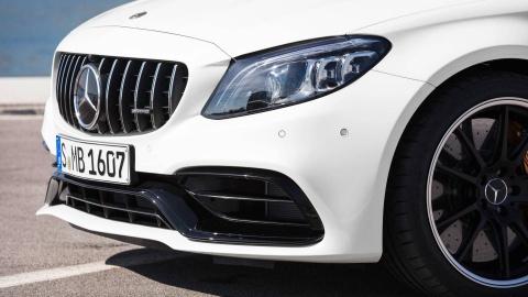 Mercedes-AMG C63 2019 so huu hang loat nang cap hinh anh 10