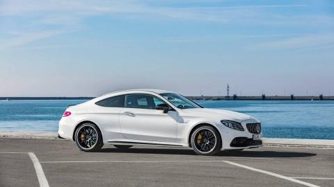 Mercedes-AMG C63 2019 so huu hang loat nang cap hinh anh 4