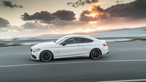 Mercedes-AMG C63 2019 so huu hang loat nang cap hinh anh 6