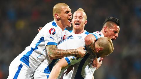 Lich thi dau Euro 2016 va doi hinh - Tuyen Slovakia hinh anh