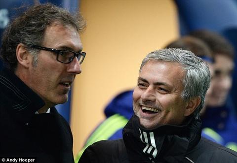 Chan MU, Jose Mourinho bat tay voi PSG hinh anh
