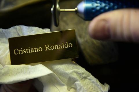 Neymar tin Ronaldo se gianh Qua bong Vang hinh anh