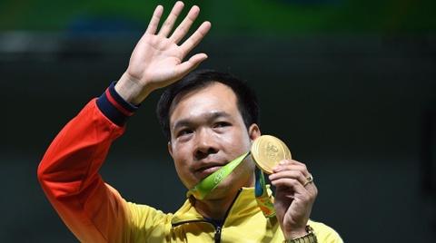 Hoang Xuan Vinh lap ky luc Olympic, gianh HCV lich su hinh anh