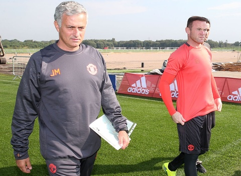 mourinho len lop rooney hinh anh