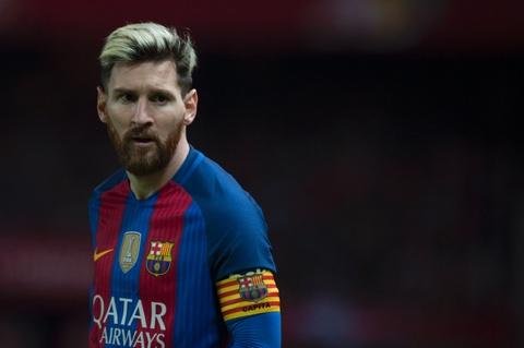 Chan Messi, Brazil dung ca mot dao quan hinh anh