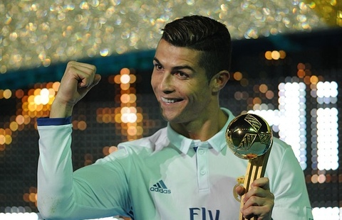 Truyen thong tiet lo Ronaldo tiep tuc vuot mat Messi hinh anh