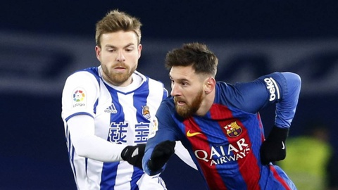 Illarramendi buc xuc doi trong tai phai duoi Messi hinh anh