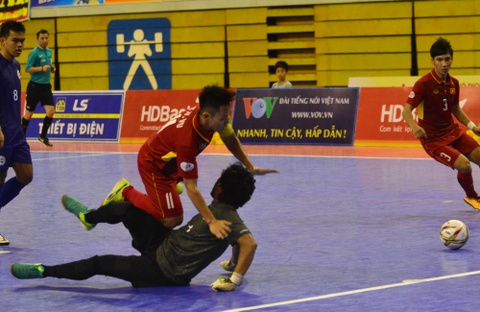 Con giau bai, DT futsal Viet Nam van huy diet Philippines 24-0 hinh anh 5