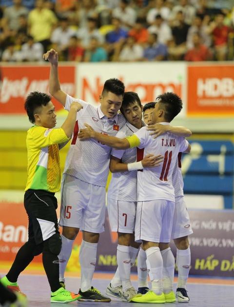 Cho chung ket trong mo giua futsal Viet Nam va Thai Lan hinh anh 3