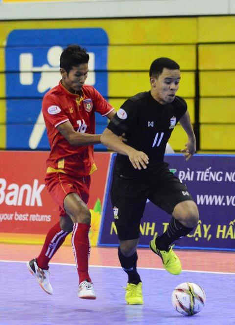 Nhan chim Myanmar, futsal Thai Lan cham tay vao ngoi vo dich hinh anh 5