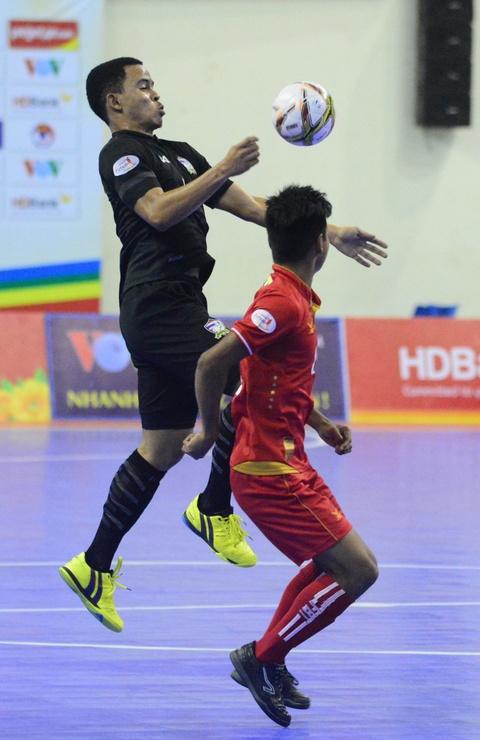 Nhan chim Myanmar, futsal Thai Lan cham tay vao ngoi vo dich hinh anh 7