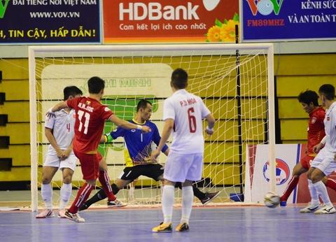Myanmar gieo them sau cho futsal Viet Nam ngay tren san nha hinh anh 9