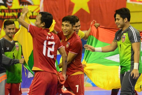 Myanmar gieo them sau cho futsal Viet Nam ngay tren san nha hinh anh 2