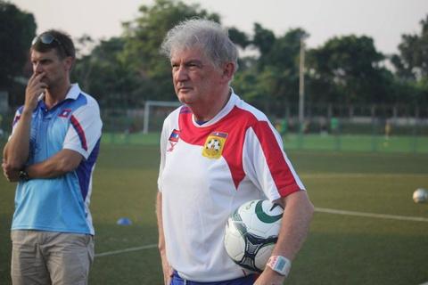 HLV Steve Darby: Trai tim chon U23 Viet Nam, ly tri goi Uzbekistan hinh anh