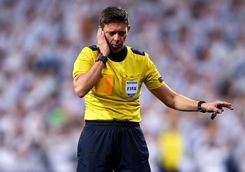 HLV PSG chua het dien tiet voi trong tai o tran thua Real Madrid hinh anh