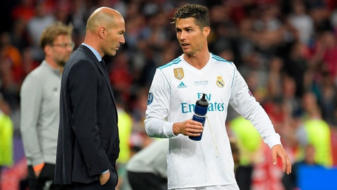 Zidane ra di de khien Real Madrid mat Ronaldo hinh anh