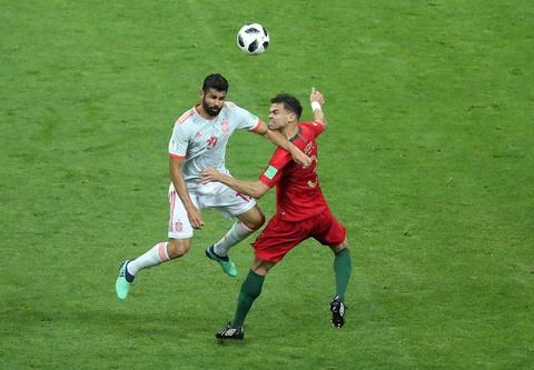 Diego Costa ket thuc con dau dau 4 nam cua Tay Ban Nha hinh anh 2