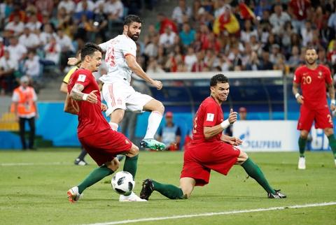 Diego Costa ket thuc con dau dau 4 nam cua Tay Ban Nha hinh anh 4