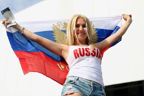 Cac co gai Nga va chuyen 'yeu duong' mua World Cup hinh anh 3