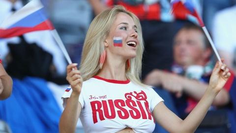 Cac co gai Nga va chuyen 'yeu duong' mua World Cup hinh anh 2