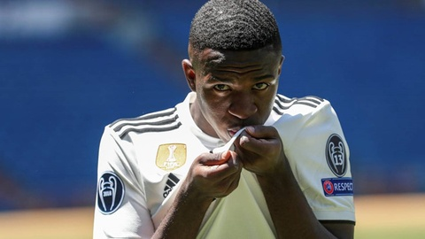 'Bo gia' Perez ru bo triet ly Galacticos o Real Madrid hinh anh 3
