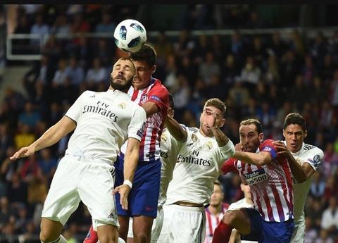 Con gam nham qua khu, Real Madrid chi co chuoc cai ket dang hinh anh 1