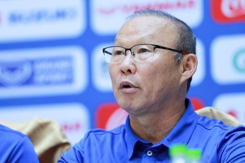 HLV Park Hang-seo thua nhan chiu nhieu ap luc truoc AFF Cup hinh anh