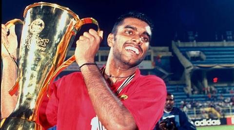 Sasi Kumar: '20 nam truoc, ai nghi Singapore se ha Viet Nam o AFF Cup' hinh anh